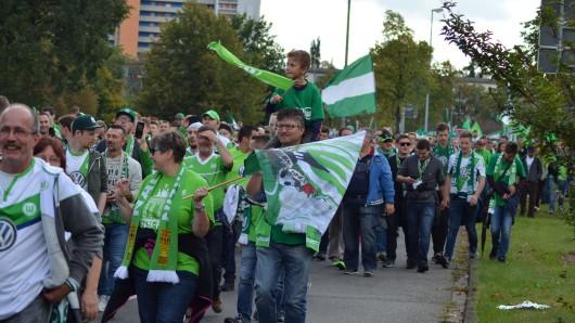 Schon 2017 hatten die VfL-Fans einen Fanmarsch organisiert (Archivbild).