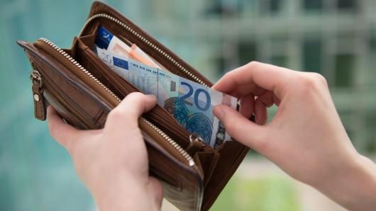 Der Finder hat das Portemonnaie direkt bei der Polizei abgegeben (Symbolbild).
