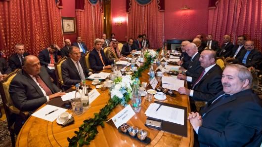 Viele Außenminister an einem Tisch - aber kein konkretes Ergebnis: die Syrien-Gespräche in Lausanne.