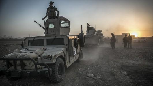 Kämpfer der kurdischen Peschmerga unterstützen die irakische Armee bei ihrer Offensive auf die Millionenstadt Mossul.