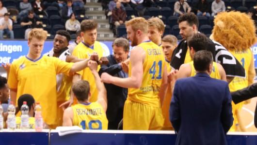 Teambesprechung der Basketballlöwen Braunschweig