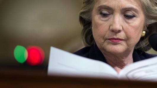 Die neuen Ermittlungen zu ihrer E-Mail-Affäre platzen in die Endphase des Wahlkampfes von Hillary Clinton. Dabei schien sie schon fast als Siegerin bei den US-Wahlen festzustehen.