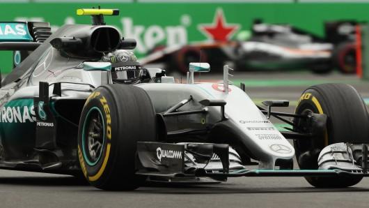 Der WM-Führende Nico Rosberg muss am Sonntag von Platz vier aus starten. Sein Teamrivale Lewis Hamilton fuhr die zweitschnellste Zeit.