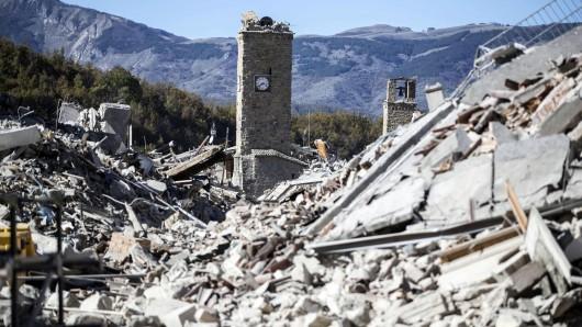 Das schon im Sommer schwer zerstörte Amatrice erlitt nun weitere Schäden - die Stadt befindet sich sechs Kilometer nördlich der ebenfalls schwer getroffenen Gemeinde Norcia.