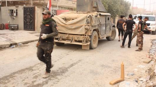 Die irakische Armee, hier im Ort Bartella, ist in die Stadt Mossul eingedrungen. Diese gilt als letzte Hochburg der Terrormiliz Islamischer Staat.