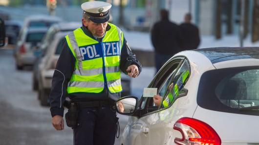 Die Polizei in Schöningen führte zusammen mit Kollegen der Bereitschaftspolizei Braunschweig am Montagnachmittag in der Zeit zwischen 14.55 Uhr und 16.40 Uhr auf der Landesstraße 652 eine Geschwindigkeitsmessung durch (Symbolbild).