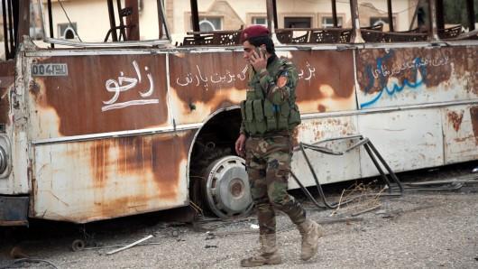 Eine schiitische Einheit hat einen von der Terrormiliz Islamischer Staat (IS) besetzten Flughafen in der nordirakischen Stadt Tal Afar eingenommen.