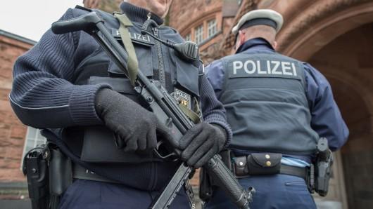 Beamte der Bundespolizei bei einem Einsatz (Symbolbild).