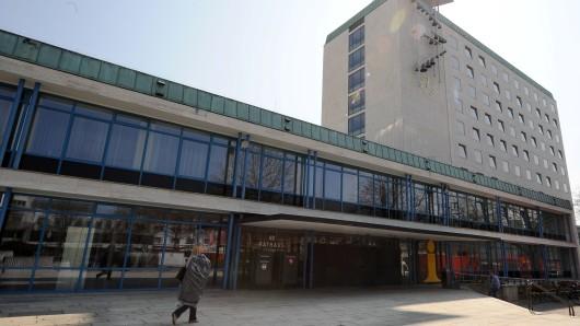 Zum Internationalen Friedenstag werden nicht nur die Rathausglocken läuten (Archivbild).