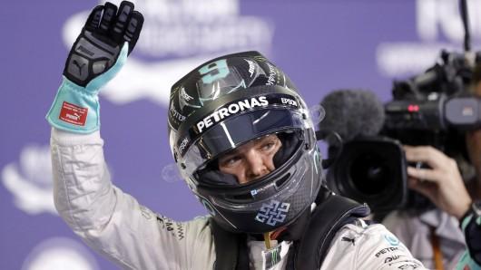 Im Qualifiying zwar nur Zweiter, beim morgigen Saisonfinale der Formel I dennoch Favorit: Nico Rosberg.