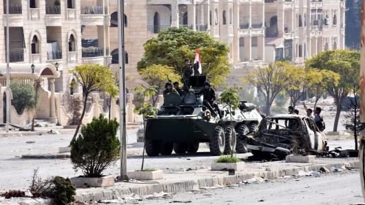 Syrische Truppen sind offenbar tief in die Rebellenviertel von Aleppo vorgedrungen.