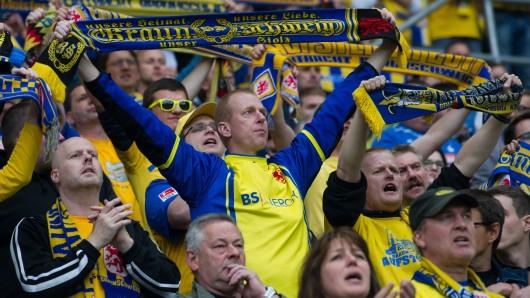 4.689 Fußballfans sind Mitglied bei Eintracht Braunschweig - am Donnerstag findet die Hauptversammlung des Vereins statt.
