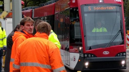 Eine Straßenbahn der Linie 5 hat am Montagmorgen am Donauknoten Feuer gefangen (Symbolbild).