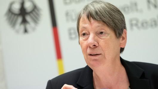 Bundesumweltministerin Barbara Hendricks (SPD) will Großstädten erlauben, Dieselautos auszusperren.