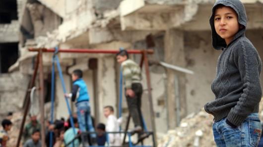 Noch immer sind Tausende Zivilisten in den letzten von Rebellen kontrollierten Vierteln von Aleppo eingeschlossen.