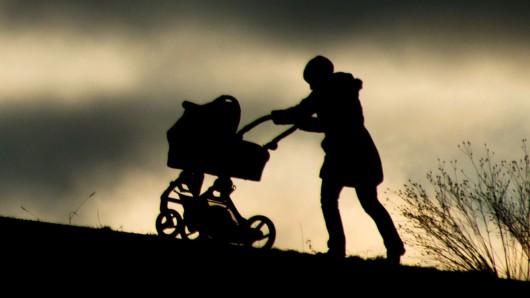 Das Kindergeld steigt zum 1. Januar um zwei auf 192 Euro monatlich.