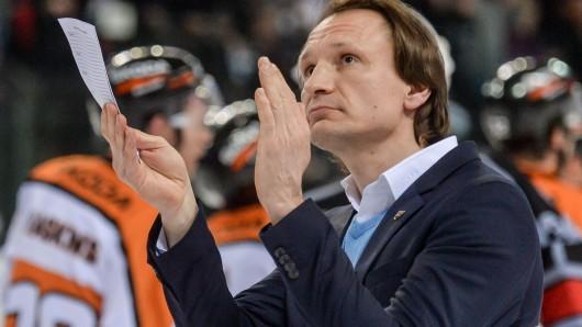 Applaus für eine tolle Energieleistung seiner Jungs: Grizzly-Trainer Pavel Gross (Archivbild).