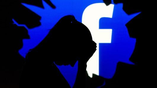 Über soziale Medien verbreitete Falschmeldungen stellen schon lange ein großes Problem dar - nun will Facebook im Bundestags-Wahljahr reagieren.