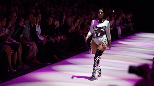Am Abend fanden bereits die ersten Modenschauen der heute beginnenden Fashion Week statt.