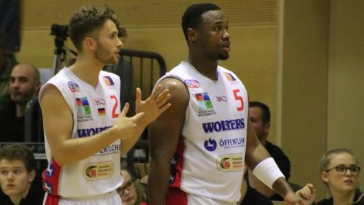 Spielertrainer Demetrius Ward (rechts) und Constantin Ebert (links) im Gespräch.