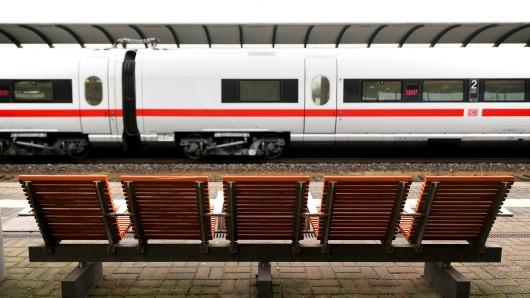 Bahnfahrer müssen eine halbe Stunde länger einplanen (Archivbild).