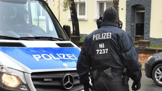 Beamte haben in Helmstedt Wohungen durchsucht. (Archivbild)