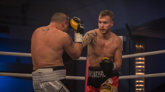 Patrick Rokohl im Kampf gegen den Bosnier Slavisa Simeunovic