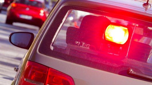 Verkehrsteilnehmende sind gut beraten, wenn sie sich im gesamten Kreisgebiet an die vorgegebenen Geschwindigkeitsbegrenzungen halten (Symbolbild).