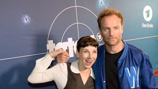Die Schauspieler Meret Becker und Mark Waschke drehen auf der Berlinale den neuen Tatort.
