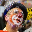 Der Fünf-Tage-Clown: Immer wieder kann man erleben, wie gerade die gehemmtesten und humorlosesten Typen an Karneval völlig aus der Rolle fallen. Ihr Motto: Heute feiern, morgen wieder in der Reihe tanzen. Die kalendarisch vorgeschriebene Witzischkeit hält exakt fünf Tage an.
