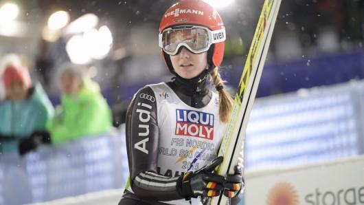 Svenja Würth nach ihrem Sprung in der Mixed-Staffel.