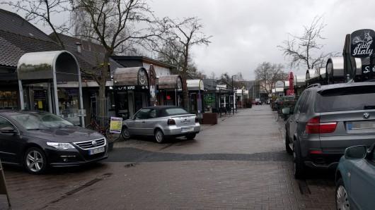 Am frühen Sonntagmorgen wurde der 24-Jährige in Wolfsbur angegriffen. (Archivbild).