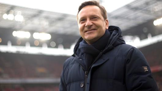 Horst Heldt wechselt nach übereinstimmenden Medienberichten zum VfL Wolfsburg. (Archivbild)