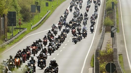Am Samstag knattern die Motorradfahrer wieder von Salzgitter nach Braunschweig (Archivbild).