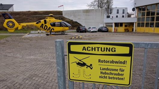 Der Rettungshubschrauber Christoph 30 an seiner Einsatzbasis am Klinikum Wolfenbüttel (Symbolbild).