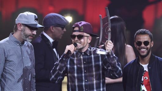 Die Band Beginner bekommt während der 26. Verleihung des Deutschen Musikpreises Echo einen Echo in der Kategorie Hip-Hop/Urban National.