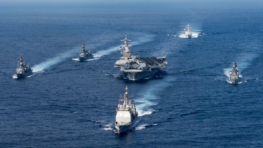 Der US-Flottenverband mit dem Flugzeugträger USS Carl Vinson.