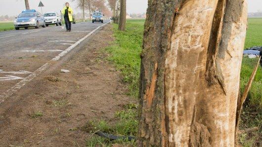 In Goslar in Niedersachsen hat sich ein Auto überschlagen.