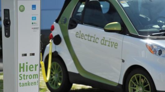 Das Stromtankstellen-Netz wird zwar ausgebaut, aber die Zahl der Elektroautos hält sich noch in überschaubaren Dimensionen.