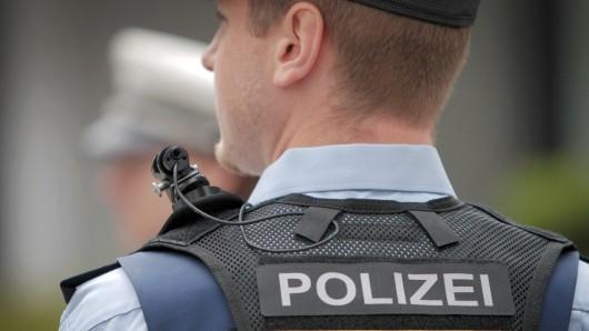 Nach der Testphase will das Land Niedersachsen seine Polizeibeamten flächendeckend mit Bodycams ausrüsten.