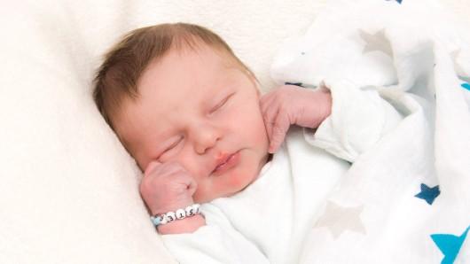 Philipp Benjamin Förster wurde am 23. April 2017 um 22:36 Uhr in der Frauenklinik am Standort Celler Straße geboren. Er ist 53 cm lang und wiegt 4000 Gramm. Seine Eltern sind Cordula und Thorben Förster.