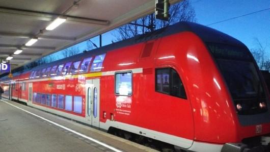 Ein Regionalzug der Deutschen Bahn am Braunschweiger Hauptbahnhof.