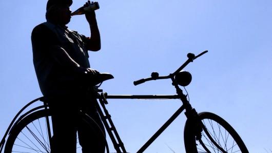 Zu blau zum Fahren: Der Gifhorner musste zweimal vom Fahrrad ferngehalten werden (Symbolbild).
