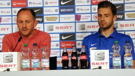 Eintracht-Trainer Torsten Lieberknecht und sein Kapitän Ken Reichel.