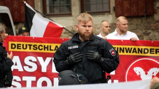 Demonstrations- und Meinungsfreiheit gilt auch für jene, die Freiheit abschaffen wollen: Deshalb musste die Polizei die NPD-Kundgebung schützen.