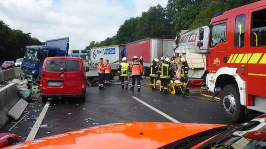 Der Verursacher des schweren Unfalls ist einfach weitergefahren (Symbolbild).