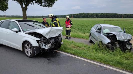 Beide Fahrer sind bei dem Unfall schwer verletzt worden..