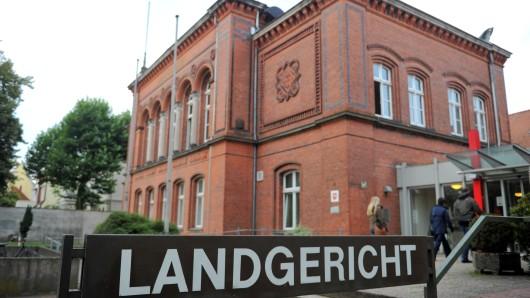 Vor dem Landgericht Verden werden heute die Plädoyers im Prozess um den Mord an einer 23-jährigen Frau bei Loccum erwartet.