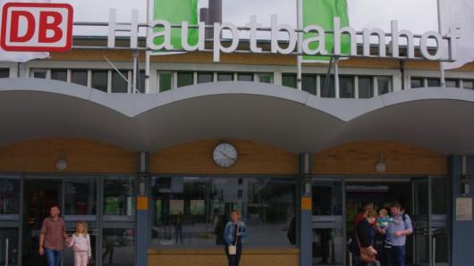 Der Hauptbahnhof in Wolfsburg (Archivbild).