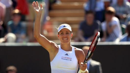 Angelique Kerber jubelt über den Sieg im Spiel gegen Rogers aus den USA.